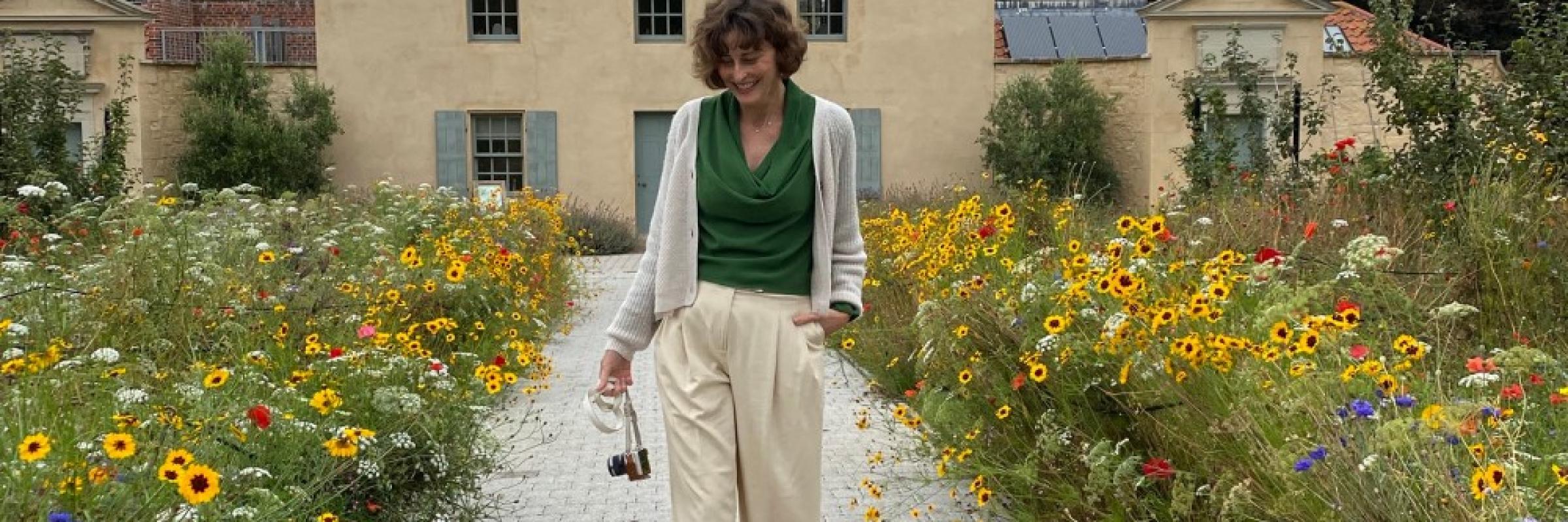 Blooming Niki Slider 20203
